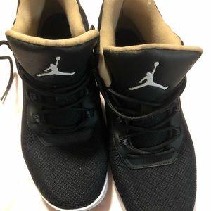 Air Jordan's boys size 7y. Great condition
